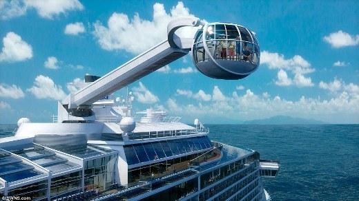 Cabin Bắc Đẩu có khả năng xoay 360 độ và nâng hành khách lên cao 90m so với mặt nước biển để ngắm cảnh.