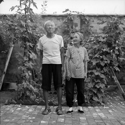 Bộ ảnh chân thực về những người phụ nữ cuối cùng sở hữu đôi chân gót sen