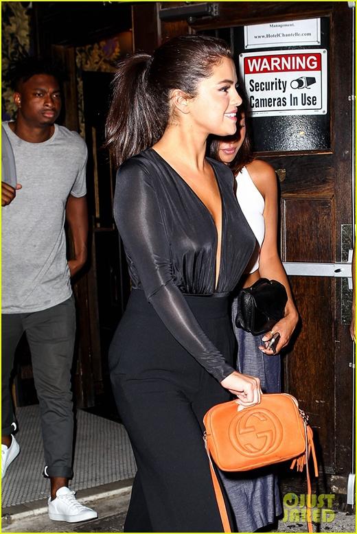 Bàng hoàng khi biết Selena Gomez mất niềm tin vào cuộc sống