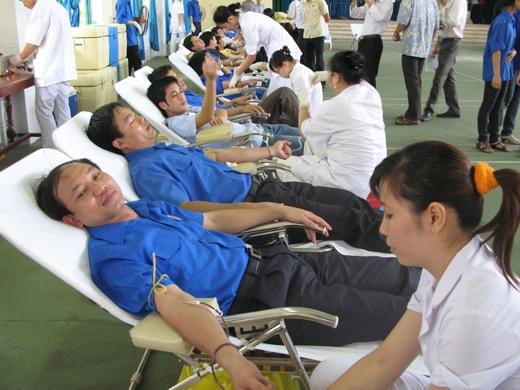 Hiến máu là một nghĩa cử cao đẹp nên mọi người cần chung tay giúp các bệnh nhân