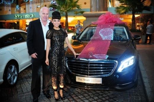 Chồng Thu Minh chiều vợ hết mực khi tặng cô ca sĩ chiếc xe 7 tỷ nhân dịp Giáng sinh. - Tin sao Viet - Tin tuc sao Viet - Scandal sao Viet - Tin tuc cua Sao - Tin cua Sao