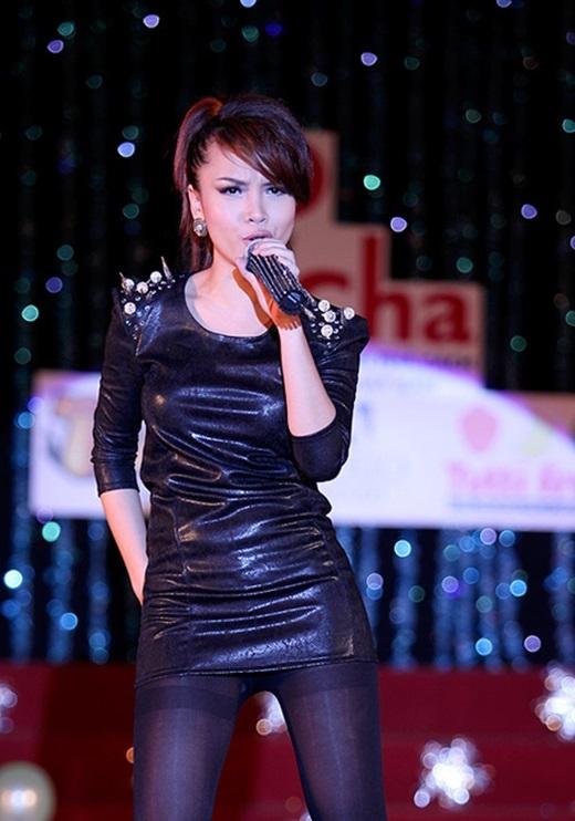 Yến Trang theo đuổi hình ảnh gợi cảm khi hoạt động solo. - Tin sao Viet - Tin tuc sao Viet - Scandal sao Viet - Tin tuc cua Sao - Tin cua Sao