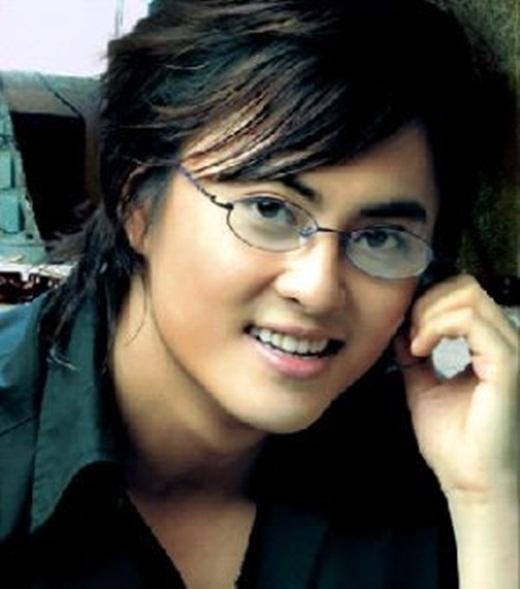 Sở hữu vẻ ngoài điển trai, gương mặt baby khá giống style Hàn Quốc đang rộ lên lúc bấy giờ, Anh Kiệt nhanh chóng lọt vào mắt xanh của nhiều khán giả. - Tin sao Viet - Tin tuc sao Viet - Scandal sao Viet - Tin tuc cua Sao - Tin cua Sao