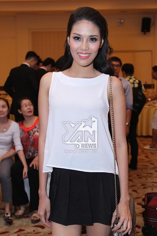 Lan Khuê, Minh Triệu đọ dáng quyến rũ với váy cưới