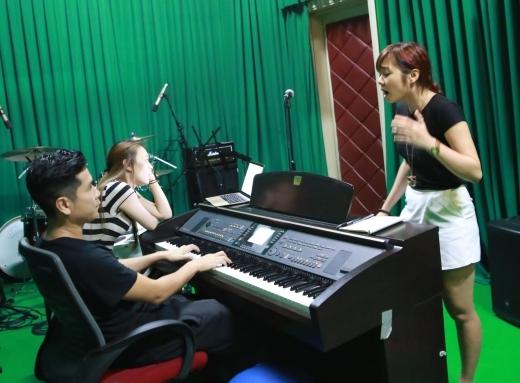 Mỹ Tâm dồn toàn bộ tâm huyết luyện tập luyện cho các học trò - Tin sao Viet - Tin tuc sao Viet - Scandal sao Viet - Tin tuc cua Sao - Tin cua Sao