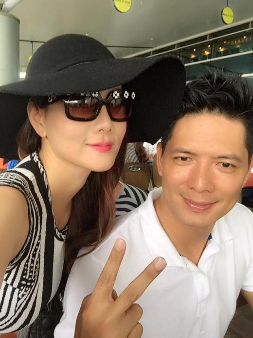 Dương Yến Ngọc vừa chia sẻ hình ảnh chụp cùng người mẫu Bình Minh. Cô cũng tiết lộ rằng, người mẫu Bình Minh và cô là 2 người bạn đồng nghiệp cùng thời với nhau, và sau bao nhiêu năm không gặp, cô cũng phải công nhận là Bình Minh vẫn đẹp trai như ngày nào.