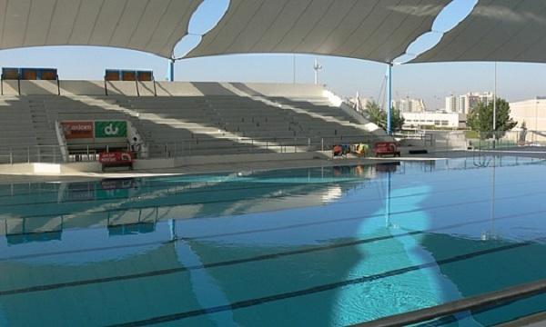 Một điều đặc biệt nữa là Đại học nam sinh Dubai có một bể bơi được thiết kế theo đúng chuẩn Olympic ở ngoài trời, được che mát và nhiệt độ nước luôn ấm áp.
