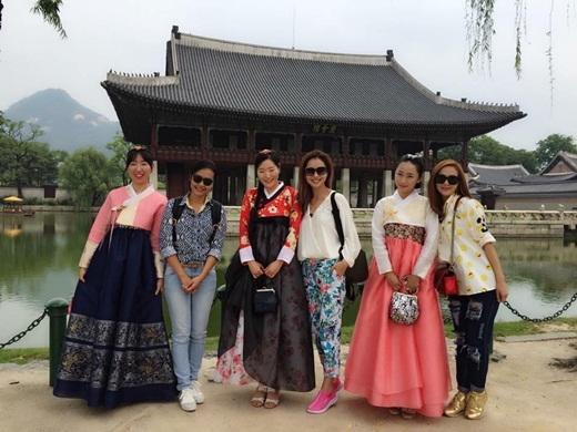 Cả ba chị em Hồng Ánh, Jennifer Phạm và Minh Hằng đều xinh đẹp và rạng rỡ - Tin sao Viet - Tin tuc sao Viet - Scandal sao Viet - Tin tuc cua Sao - Tin cua Sao