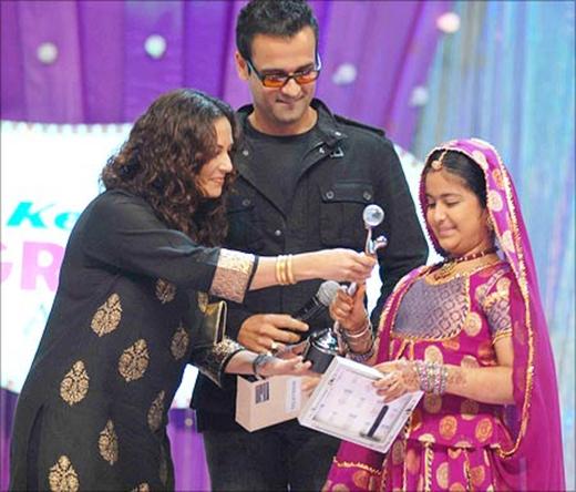 Avika Gor nhận giải thưởng truyền hình.