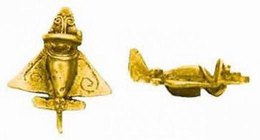 Những món đồ chơi này được các nhà khảo cổ tìm thấy từ thời cổ đại. Điều đáng nói là nó có hình của máy bay – vật dụng mà phải đến năm 1780 con người mới phát minh ra. Vậy tại sao thời cổ đại đã có các mô hình máy bay này?