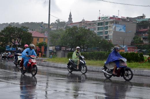 Hiện nay tại TP.HCM thường xuất hiện các cơn mưa dông vào buổi sáng và chiều tối
