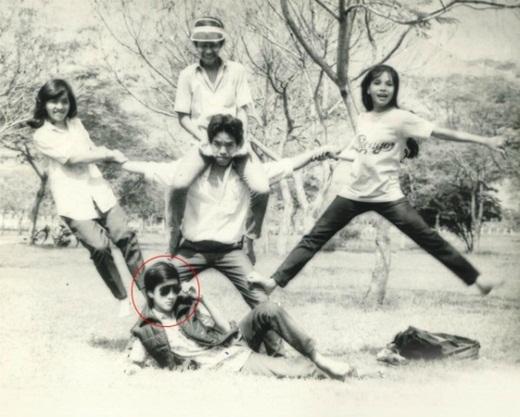 Mr. Đàm tạo dáng thời trang trong một lần cúp học cùng bạn bè - Tin sao Viet - Tin tuc sao Viet - Scandal sao Viet - Tin tuc cua Sao - Tin cua Sao