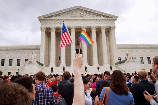 """Yahoo đáp trả mạnh mẽ những người """"tẩy chay"""" hôn nhân đồng giới"""