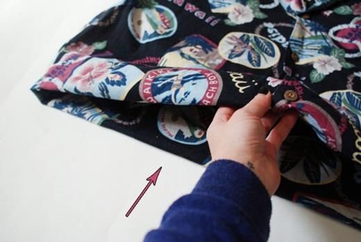 Tự làm vỏ gối ngộ nghĩnh từ áo cũ tặng người thân ngày gia đình