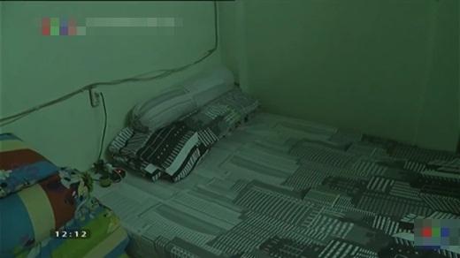Li thân vợ đã được hơn hai năm, anh giờ sống trong một căn hộ thuê hẹp và đơn sơ. - Tin sao Viet - Tin tuc sao Viet - Scandal sao Viet - Tin tuc cua Sao - Tin cua Sao