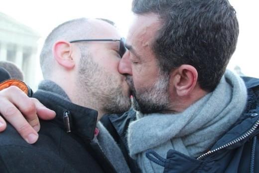 Những hình ảnh ngọt ngào trong ngày hợp pháp hóa hôn nhân đồng giới