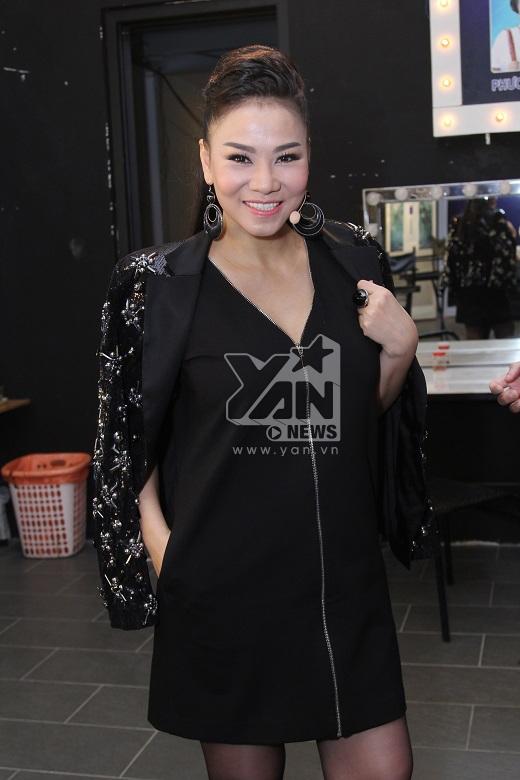Nữ giám khảo quyền lực của cuộc thi Viet Nam Idol tự tin khoe dáng sau khi sinh con đầu lòng. - Tin sao Viet - Tin tuc sao Viet - Scandal sao Viet - Tin tuc cua Sao - Tin cua Sao