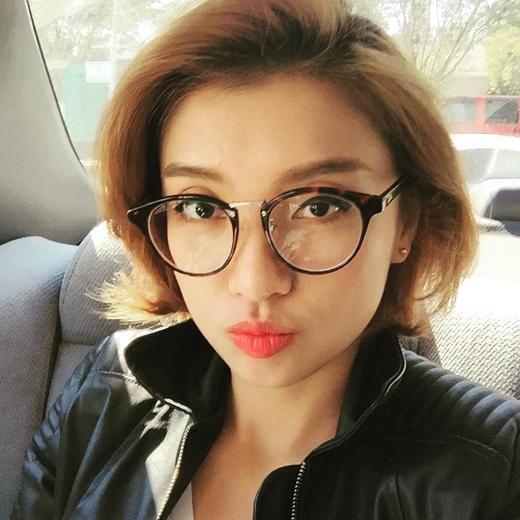 Cô nàng Tiêu Châu Như Quỳnh vừa khiến các fans của mình phải bật cười vì những dòng chia sẻ đầy tâm trạng của cô, xung quanh việc cô nàng muốn có người yêu nhưng mãi mà vẫn không thấy nên đành phải chịu kiếp ế như bây giờ.