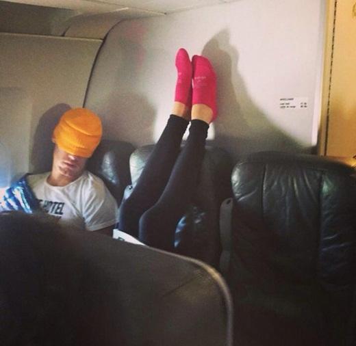 """Dở khóc dở cười với những tình huống """"đỡ không nổi"""" trên máy bay"""