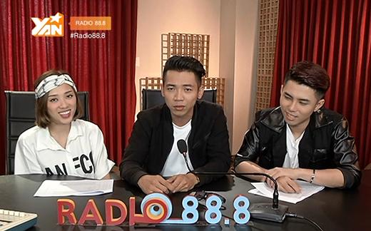 Mai Quốc Việt trong tư thế sẵn sàng chiến đấu với bộ đôi VJ bá đạo của Radio 88.8