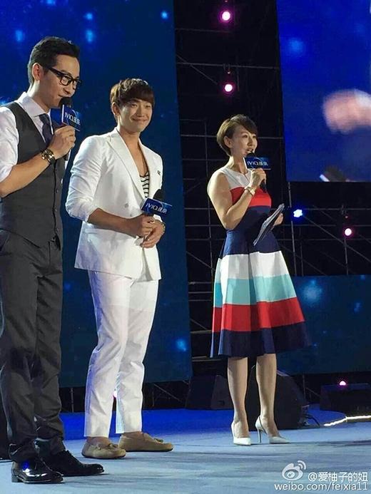 Rain và Kim Tae Hee lần đầu tiên tham gia cùng sự kiện