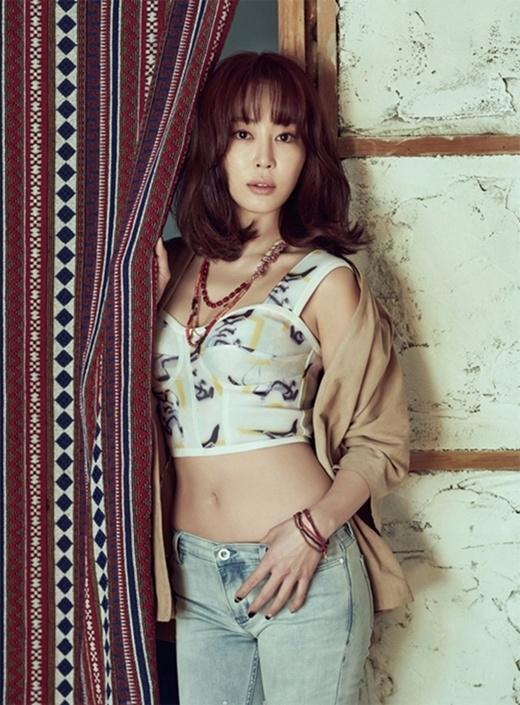 Xếp thứ 2 là mỹ nhânKang Ye Won.