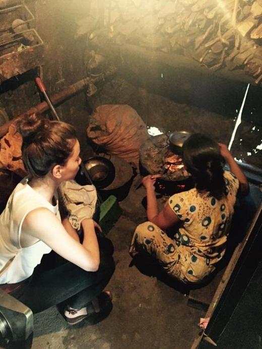Mặc kệ dư luận, Hà Hồ giản dị đến không ngờ đi từ thiện - Tin sao Viet - Tin tuc sao Viet - Scandal sao Viet - Tin tuc cua Sao - Tin cua Sao