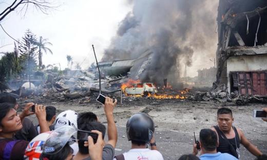 Lực lương chức năng đang có gắng cứu hộ, nhưng ít nhất 30 người đã thiệt mạng