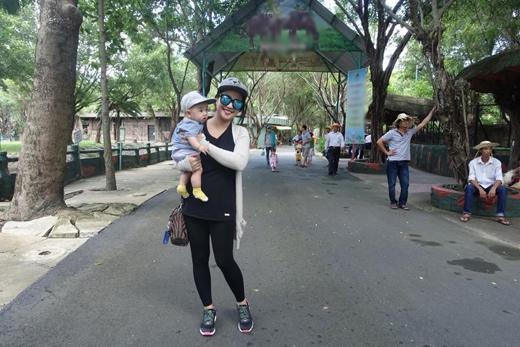 Ốc Thanh Vân đã cùng gia đình tổ chức một chuyến dã ngoại để cả nhà cùng thư giãn bên nhau. Sau khoảng thời gian nghỉ ngơi để sinh em bé, giờ đây Ốc Thanh Vân đã chính thức quay trở lại cùng với các hoạt động nghệ thuật của mình.