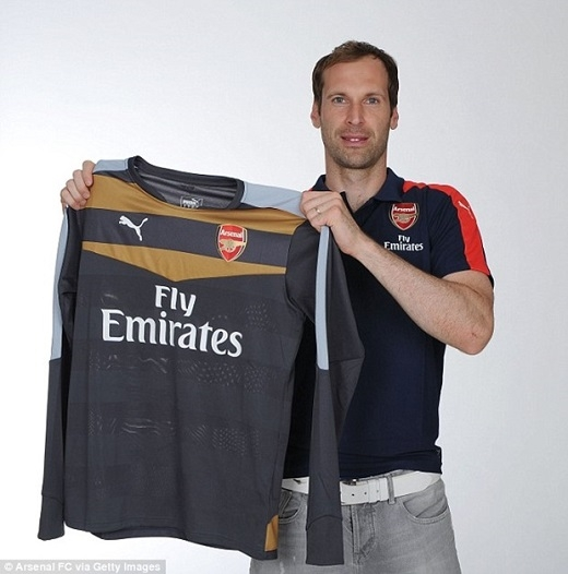 Sốc: Petr Cech bị dọa giết sau khi gia nhập Arsenal