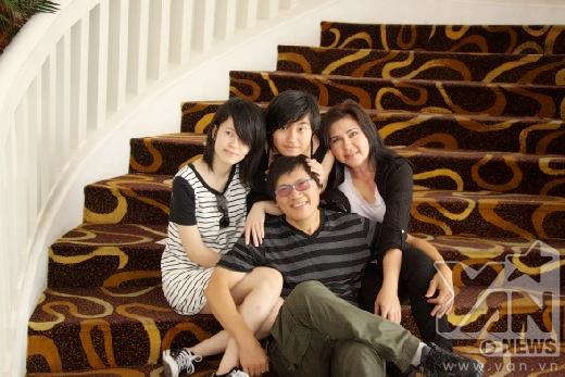 Con gái Phương Thảo - Ngọc Lễ bất ngờ nữ tính sau 1 năm về nước - Tin sao Viet - Tin tuc sao Viet - Scandal sao Viet - Tin tuc cua Sao - Tin cua Sao