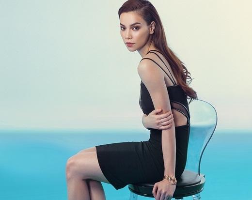 Chiếc váy đen cocktail được tạo điểm nhấn bởi chi tiết cut out ở thắt eo khiến Hồ Ngọc Hà vô cùng gợi cảm. - Tin sao Viet - Tin tuc sao Viet - Scandal sao Viet - Tin tuc cua Sao - Tin cua Sao