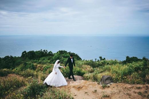 Tan chảy trước bộ ảnh cưới ý nghĩa của cặp đôi yêu không bình thường
