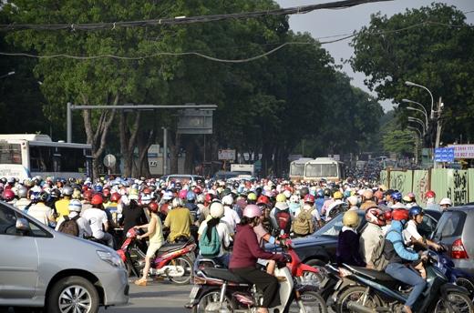 Đoạn đường trước công viên Gia Định bị ùn tắc kéo dài