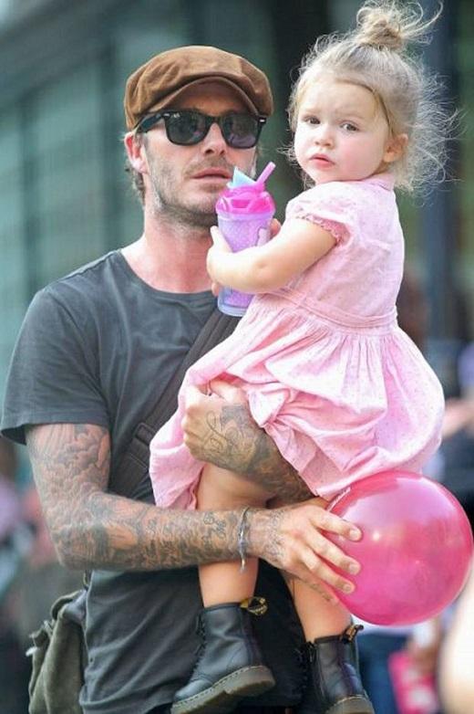 Beckham xăm hình Minion để chiều lòng con gái cưng