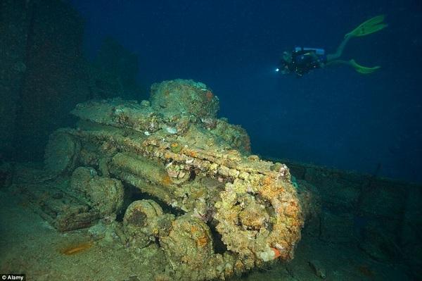 Truk Lagoontừng được coi là thành lũy đáng gờm nhất của quân đội Nhật Bản ở Thái Bình Dương. Giờ nó chỉ là một nghĩa trang quân đội dưới nước. Chiếc xe tăng rỉ sét này từng nằm trên boong của một con tàu bị chìm trong Liên bang Micronesia.