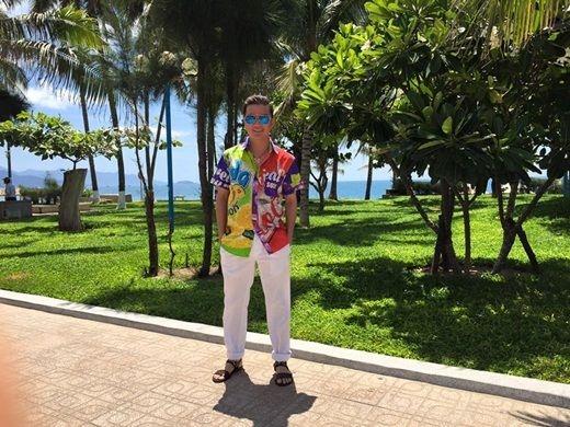 Mr. Đàm bình yên đi du lịch sau khi được đồng nghiệp an ủi - Tin sao Viet - Tin tuc sao Viet - Scandal sao Viet - Tin tuc cua Sao - Tin cua Sao