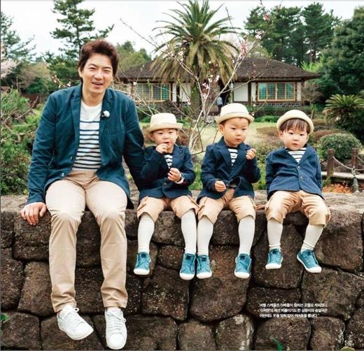 Bố Song luôn dành tình cảm thương yêu dành cho bộ ba nhà mình.