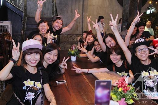 Mặc cơn đau, Tiên Tiên vẫn làm fans điên đảo - Tin sao Viet - Tin tuc sao Viet - Scandal sao Viet - Tin tuc cua Sao - Tin cua Sao