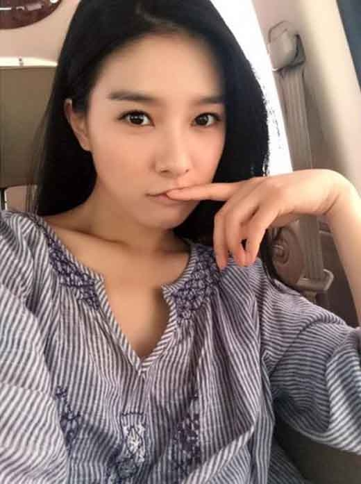 Kim So Eun khoe ảnh xinh đẹp trên phim trườngScholar Who Walks The Night.