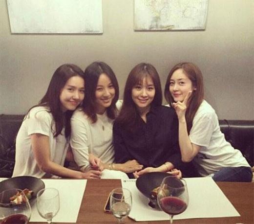 4 chị em tái ngộ vào tháng 4/2015.