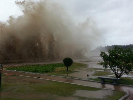 Một cơn bão mạnh đang hoạt động trên vùng biểnĐông miền Trung của Philippines