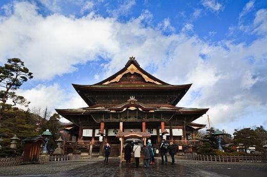 Trên tất cả, đền Zenkoji vẫn là một điểm tham quan không thể bỏ qua ở Nhật Bản.