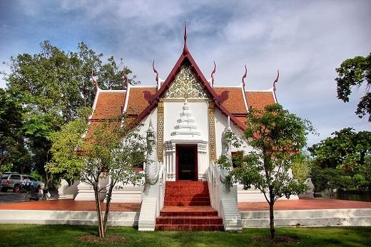 Lạnh sống lưng với những ngôi đền thiêng nhất châu Á (P.2)