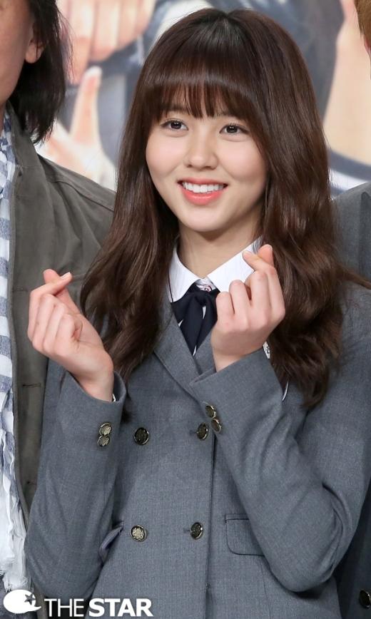 """Kim So Hyun thừa nhận """"rung động"""" trước nụ hôn của Sungjae (BTOB)"""