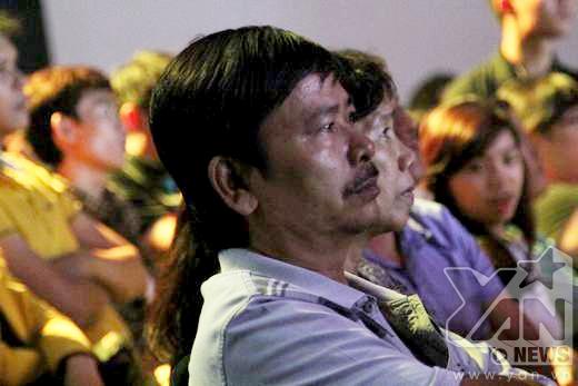 Cảm xúc lắng đọng của khán giả khi nghe những bài hát về gia đình. - Tin sao Viet - Tin tuc sao Viet - Scandal sao Viet - Tin tuc cua Sao - Tin cua Sao