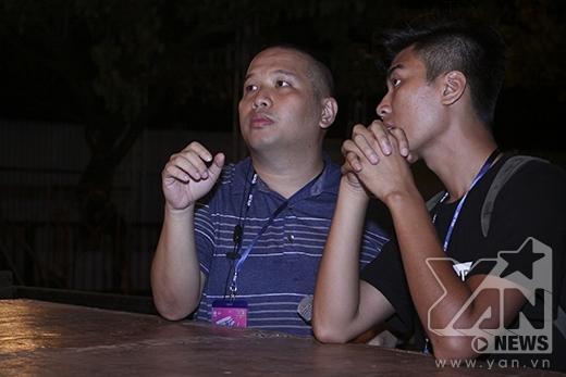 Quang Huy cùng ekip hứa hẹn mang đến một đêm sinh nhật đáng nhớ không chỉ cho Sơn Tùngmà còn hơn 7000 khán giả có mặt trong chương trình - Tin sao Viet - Tin tuc sao Viet - Scandal sao Viet - Tin tuc cua Sao - Tin cua Sao