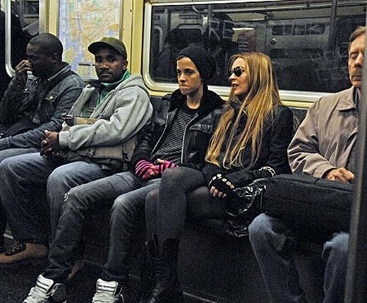 Lindsay Lohan đã từng có một chuyến dạo chơi tàu điện ngầm lãng mạn cùng người yêu.