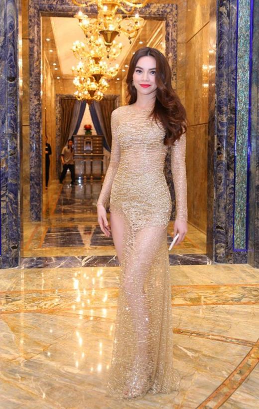 """Tuyệt chiêu """"hâm nóng"""" chất liệu ánh kim của mỹ nhân Việt"""