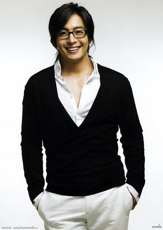 Xếp thứ nhì là ông hoàng mùa đông Bae Yong Joon.